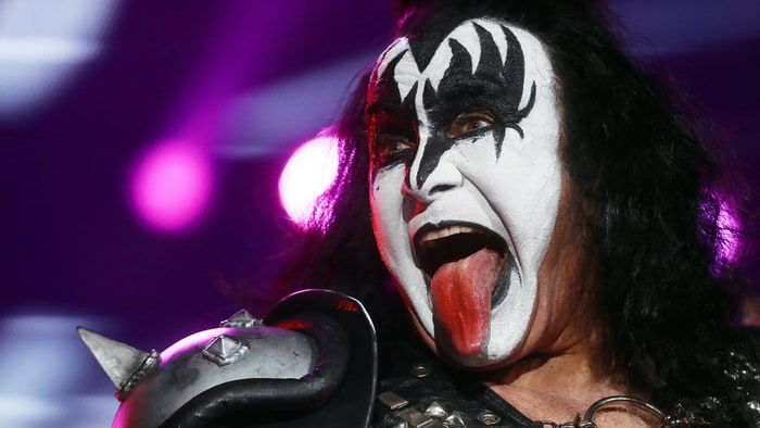 Integrante de Kiss es acusado de abuso sexual