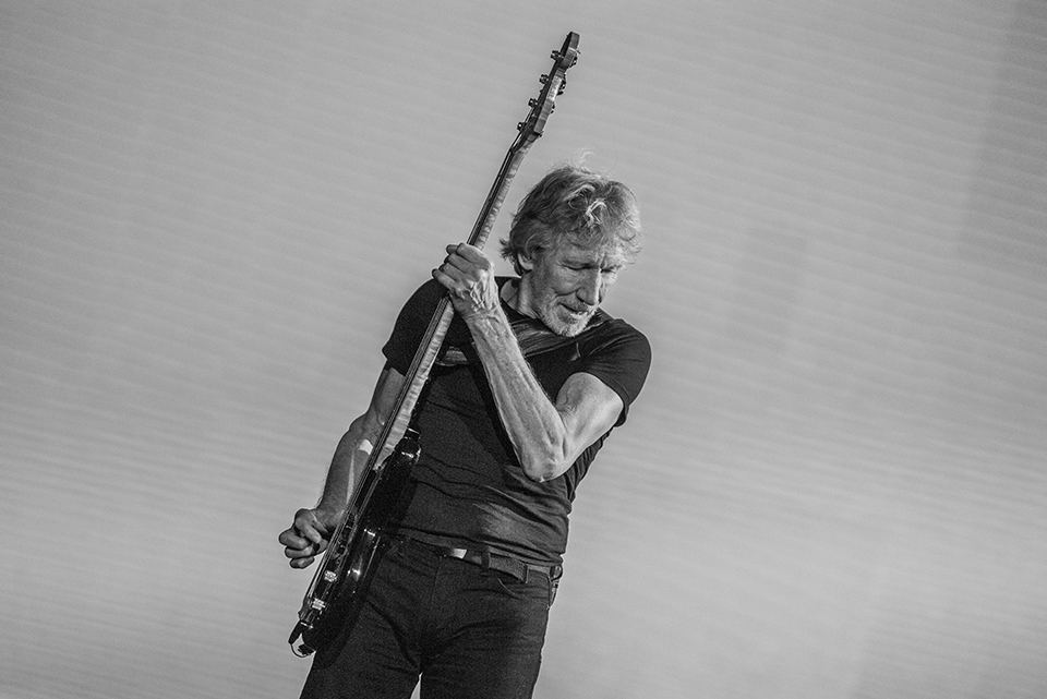 Roger Waters planea tocar