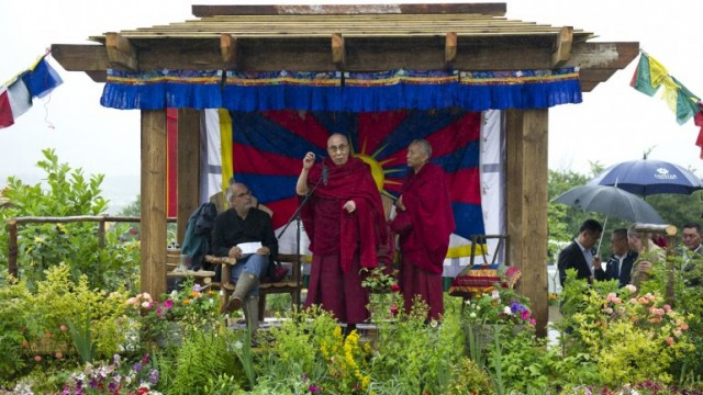 dalai-glastonbury