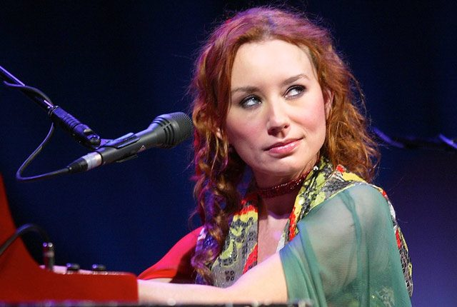 ", Escuchá lo nuevo de Tori Amos: ""Up The Creek"""