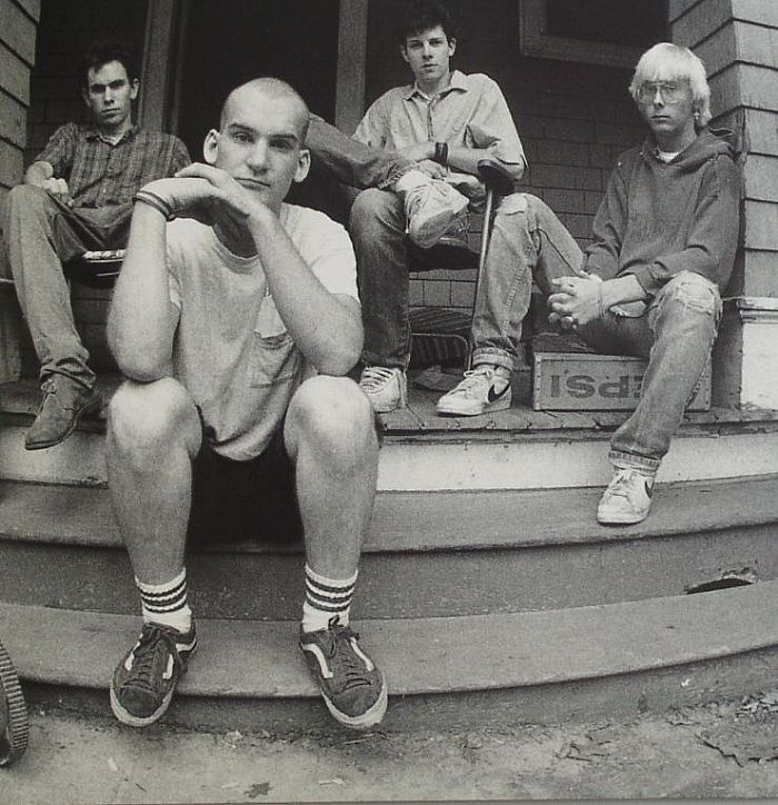 ", Minor Threat se reúne para recrear la foto de ""Salad Days"""