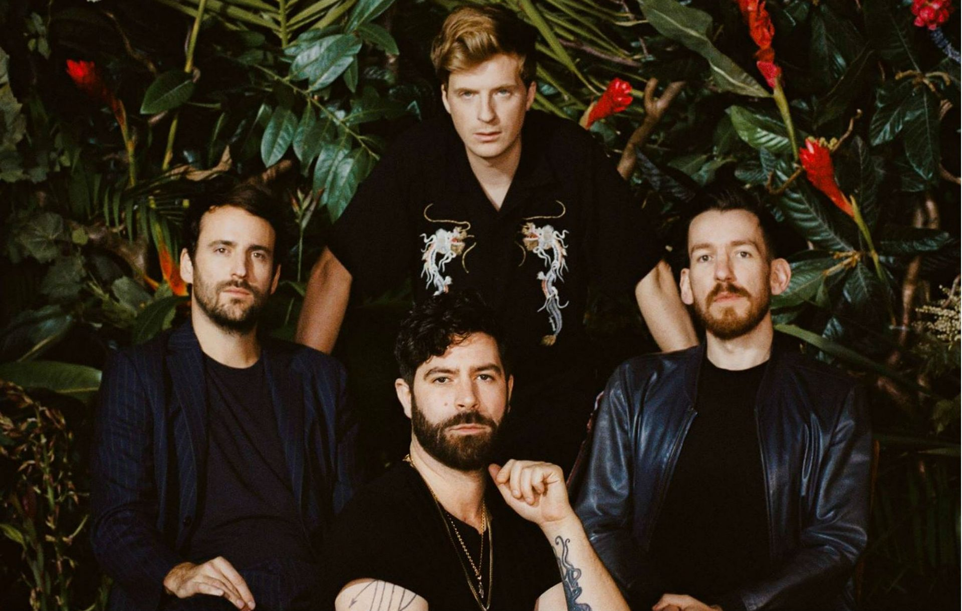 ", Foals nos muestra su vida cotidiana en el video ""On the Luna"""